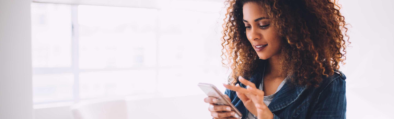 foto - vrouw met smartphone