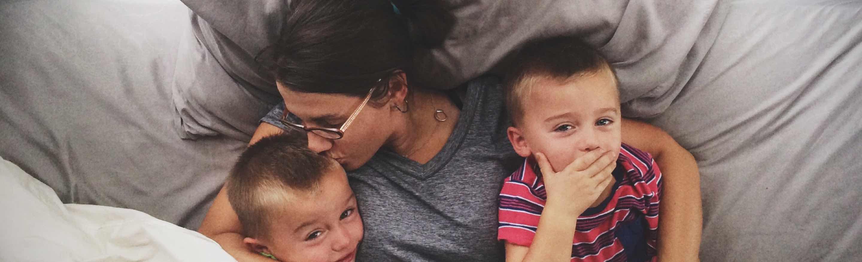 foto - moeder en 2 kinderen